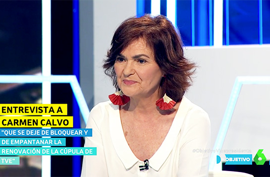 The Vice President of the Government, Carmen Calvo, wears Ana Hagopian's Pay-Pay earrings in the TV-Show of Ana Pastor (El objetivo)